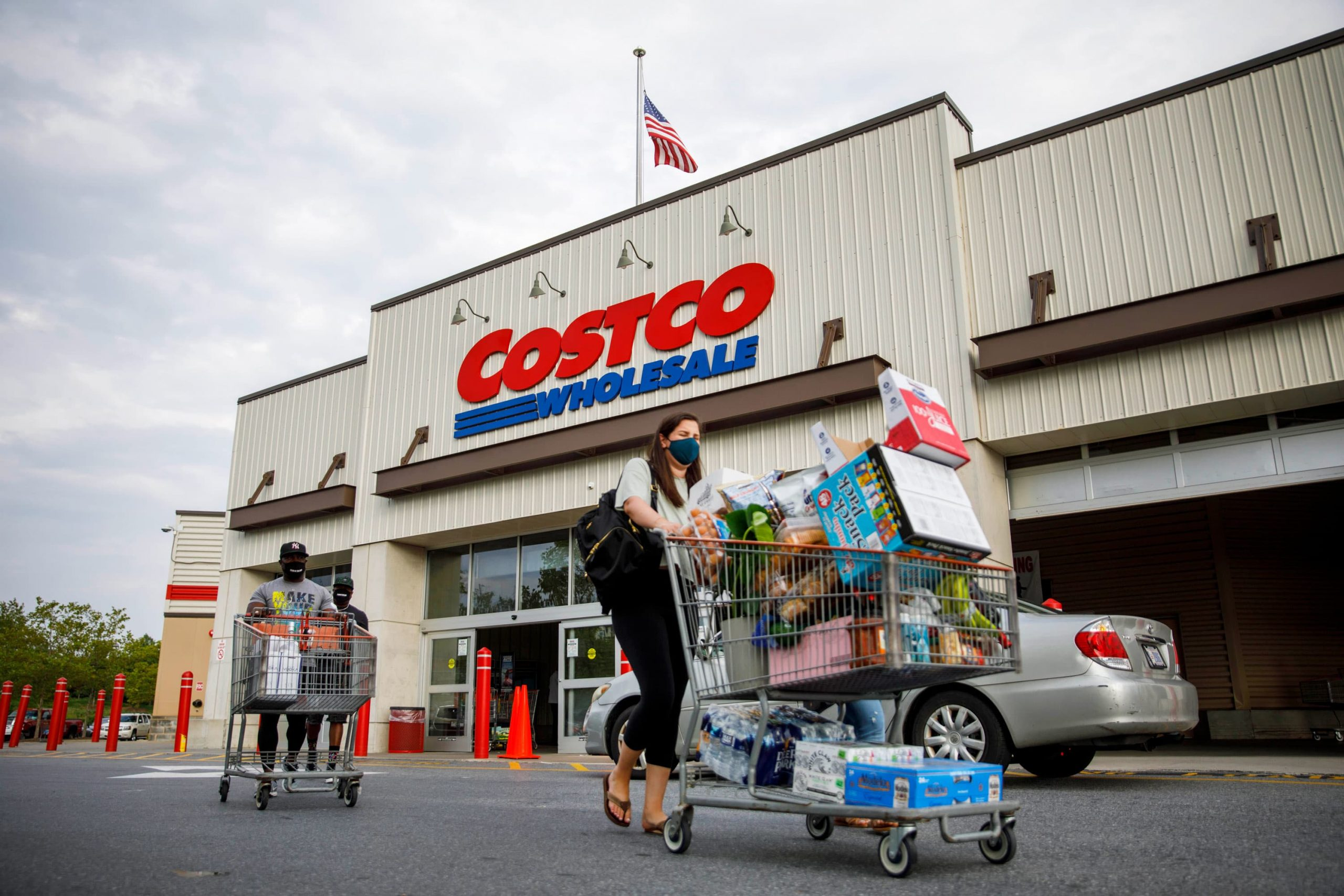 costco-ceo-says-brick-and-mortar-stays-key-whilst-e-commerce-grows