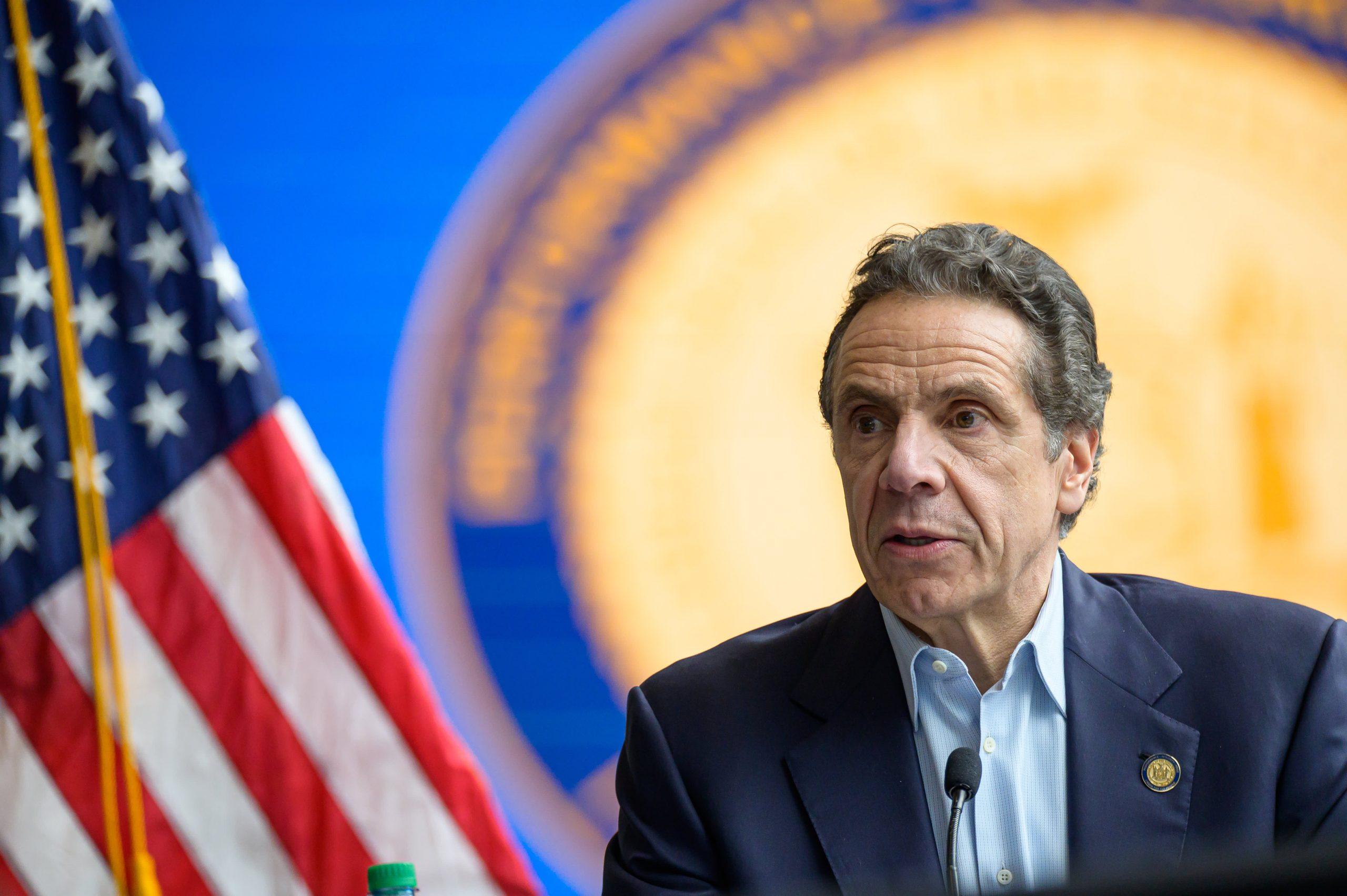 new-york-metropolis-will-shut-indoor-eating-beginning-monday-gov-cuomo-says