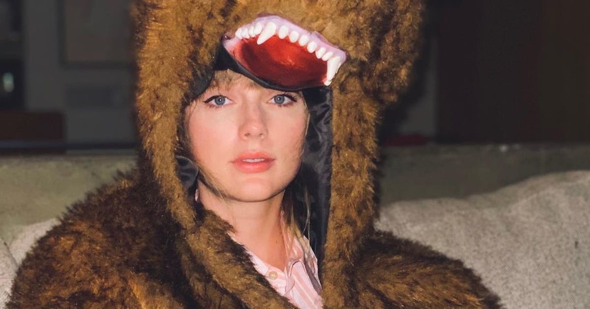 taylor-swift-says-goodbye-to-2020-in-bear-costume-photo