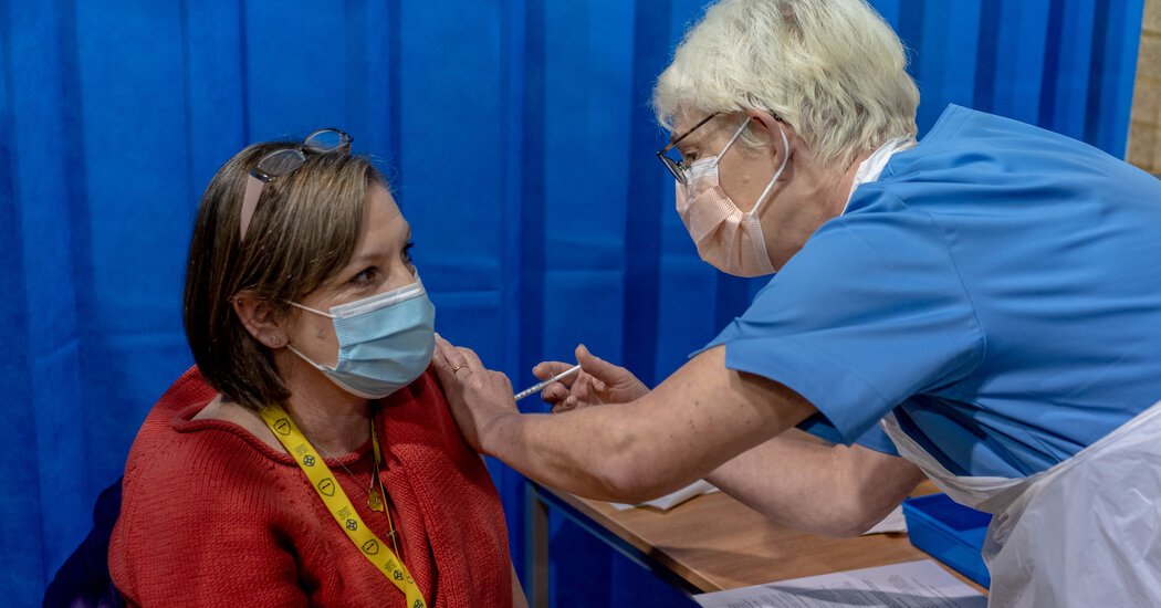 britain-opts-for-mix-and-match-vaccinations-confounding-experts