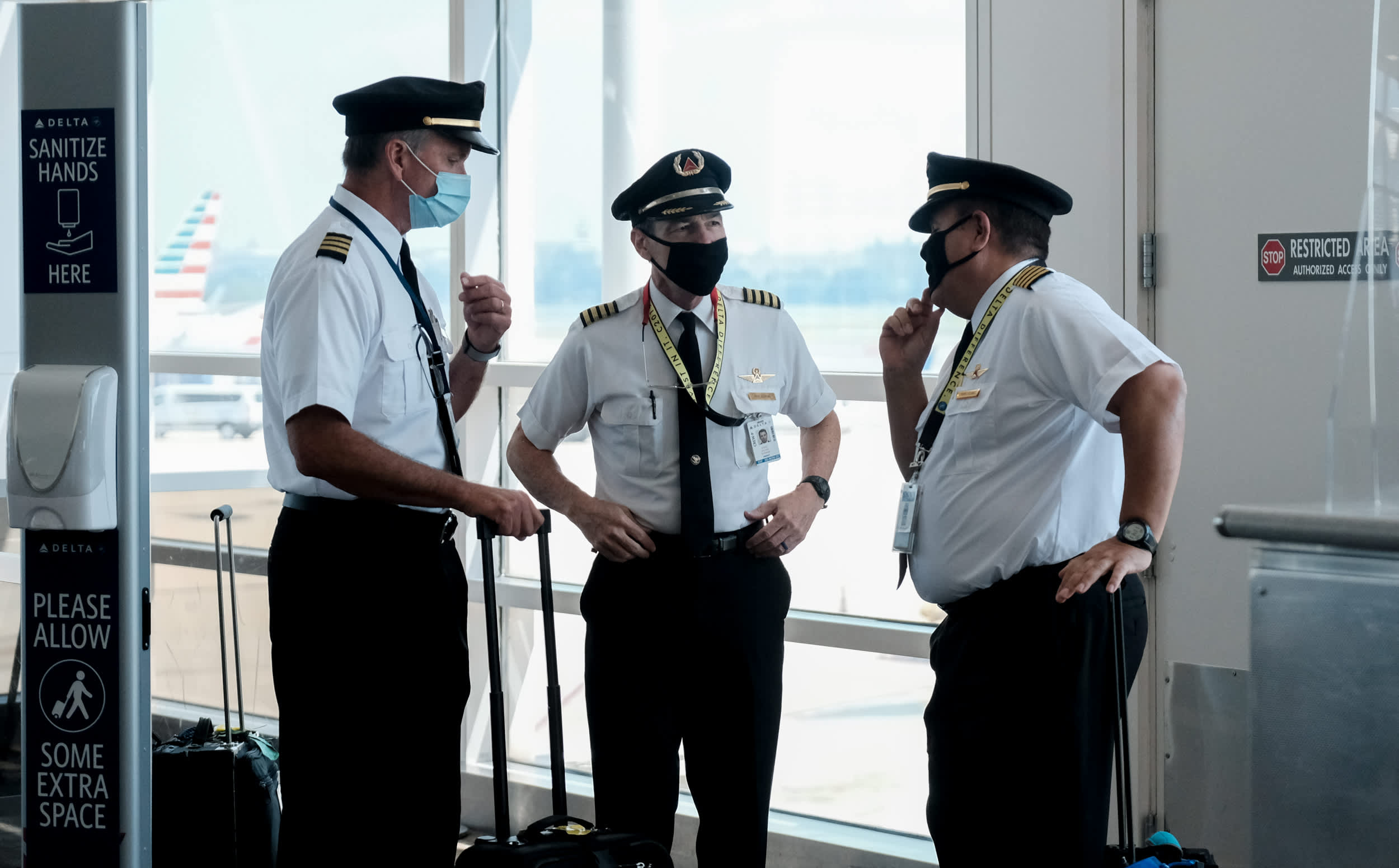 delta-plans-to-bring-back-400-pilots-signaling-optimism-about-future-air-travel