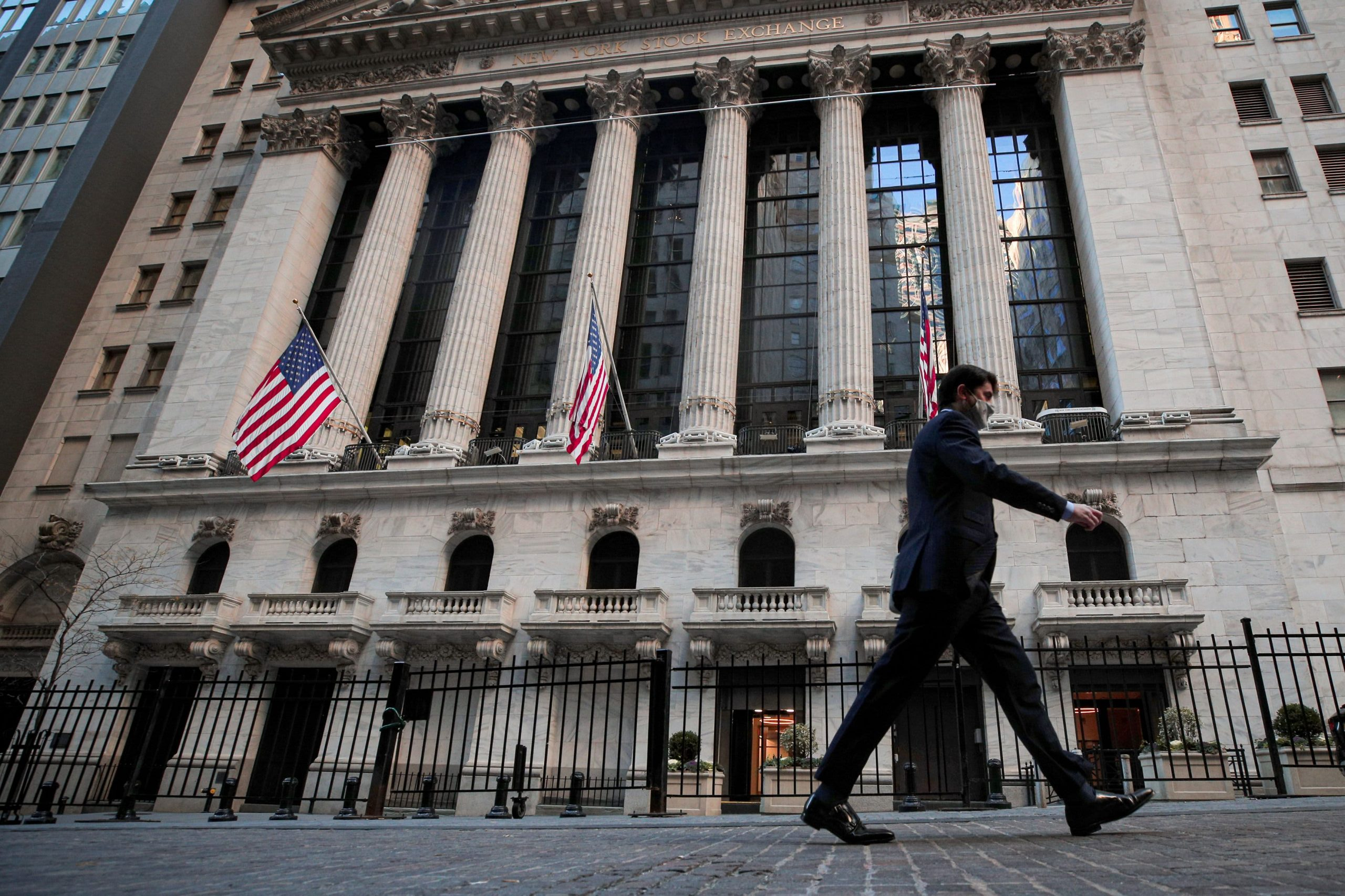 nyse-says-it-will-no-longer-delist-three-chinese-telecom-giants