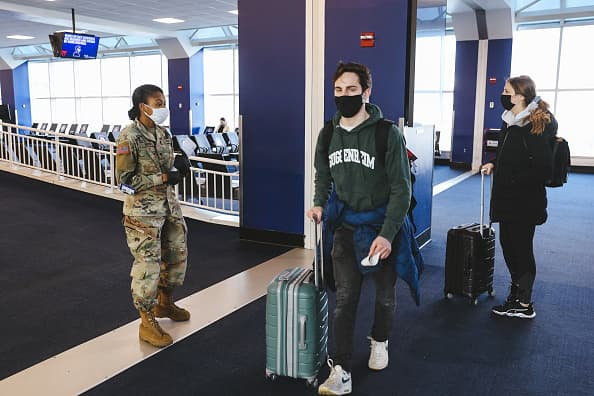 u-s-air-travel-hits-pandemic-high-over-new-years