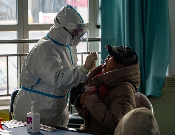 china-locks-down-part-of-province-outside-beijing-as-coronavirus-cases-spike