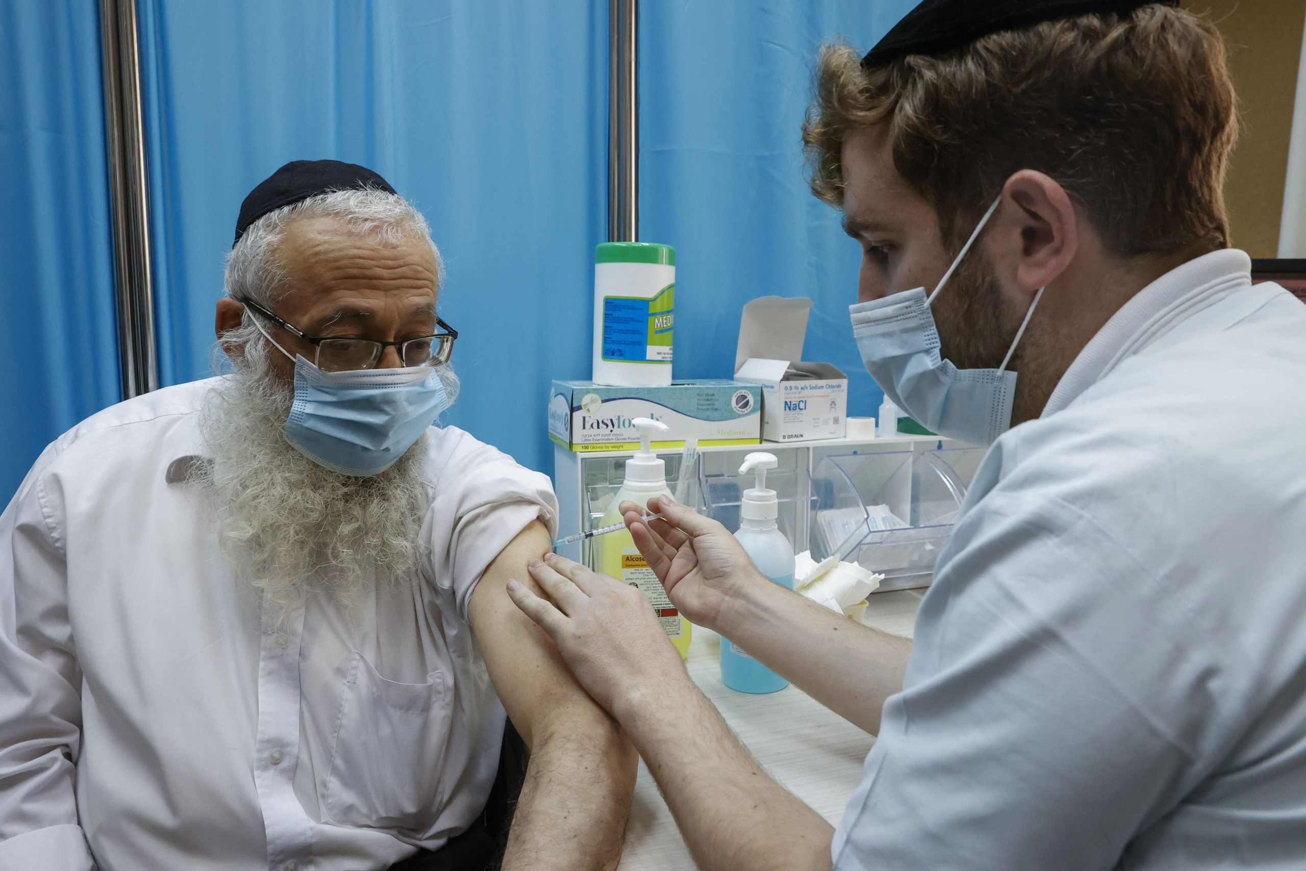 israel-is-launching-covid-immunity-passports-for-vaccinated-citizens