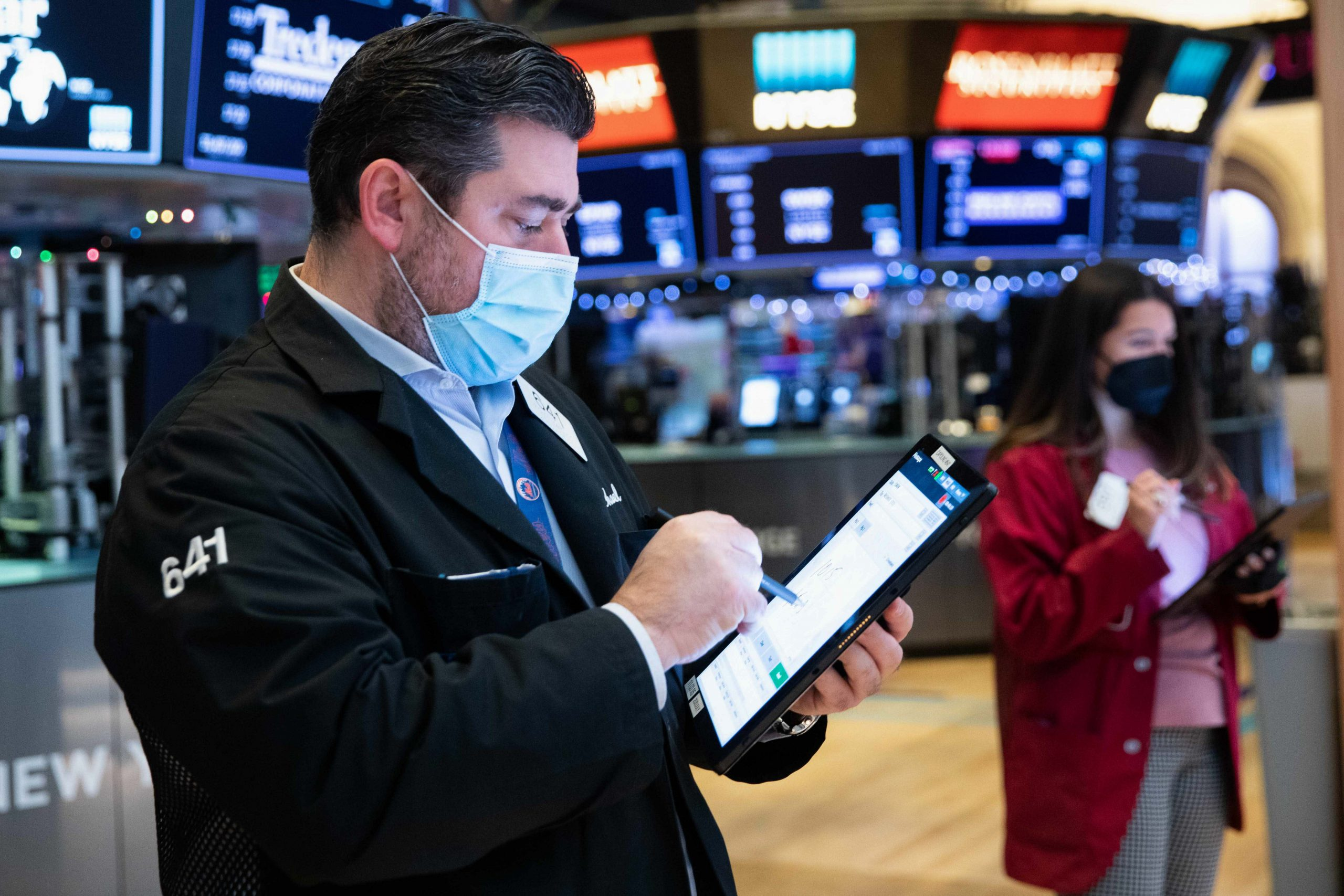 stock-futures-flat-after-mondays-session-breaks-winning-streak