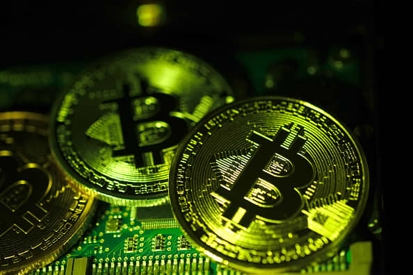 bitcoin-btc-price-falls-wiping-out-100b-from-entire-crypto-market