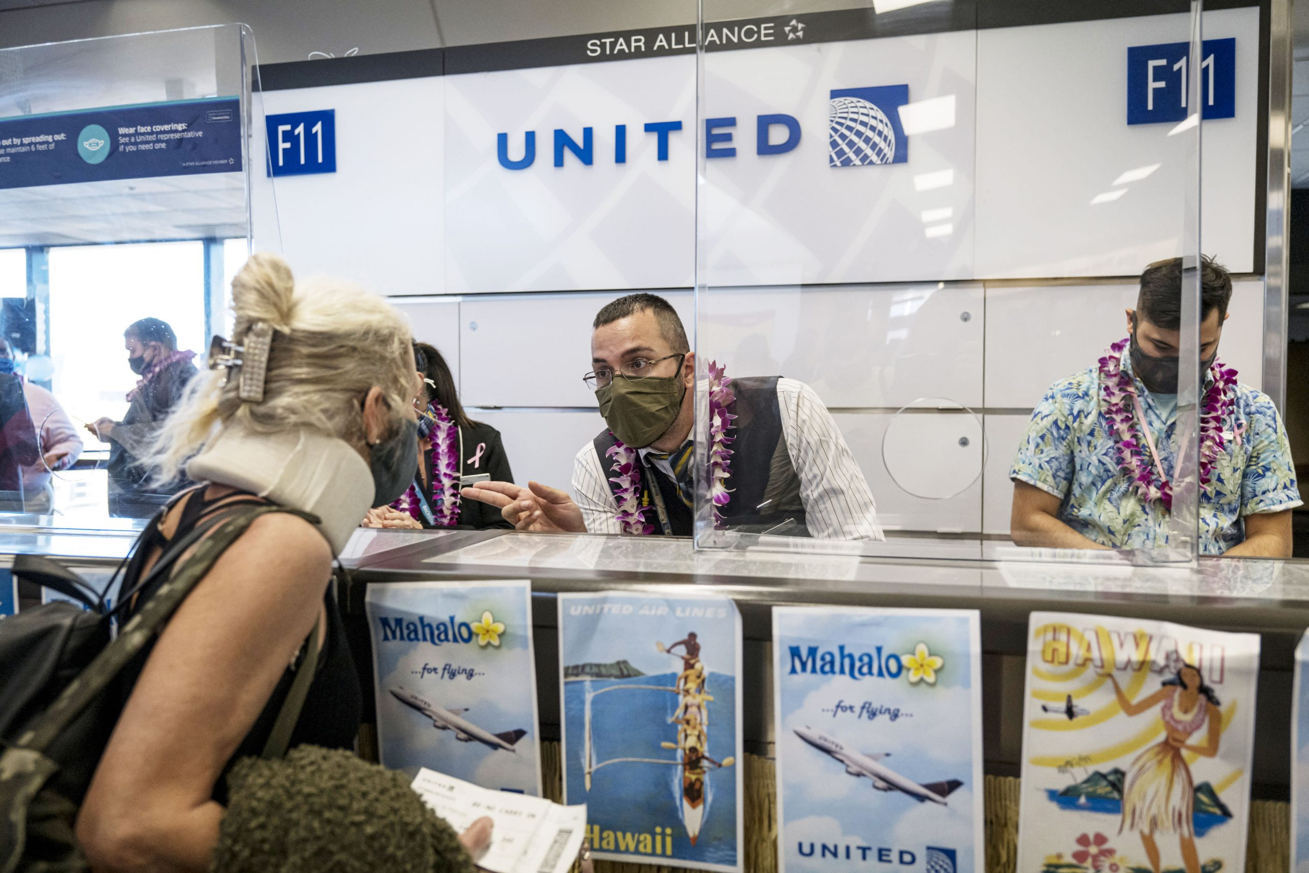 united-airlines-ceo-wants-to-make-covid-vaccines-mandatory-for-employees