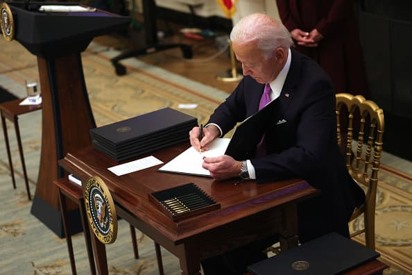 biden-wants-to-end-confusion-over-when-unemployed-workers-can-refuse-a-job