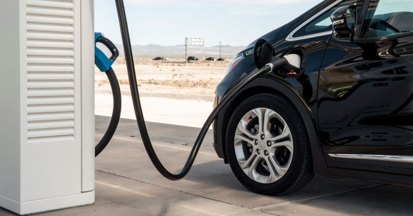 g-m-announcement-shakes-up-u-s-automakers-transition-to-electric-cars