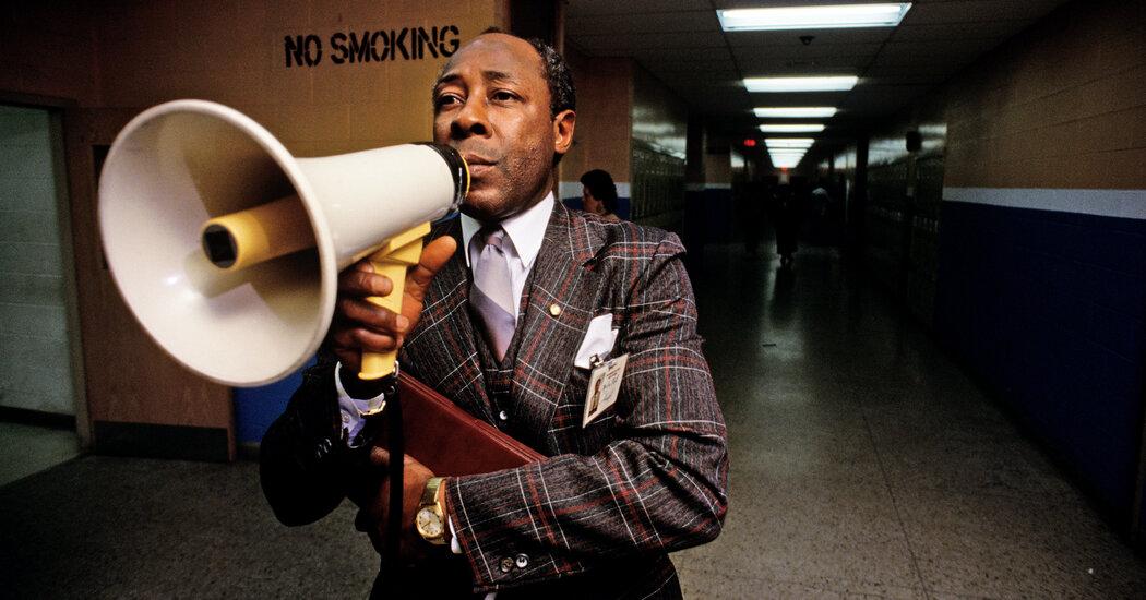 joe-clark-tough-principal-at-new-jersey-high-school-dies-at-82