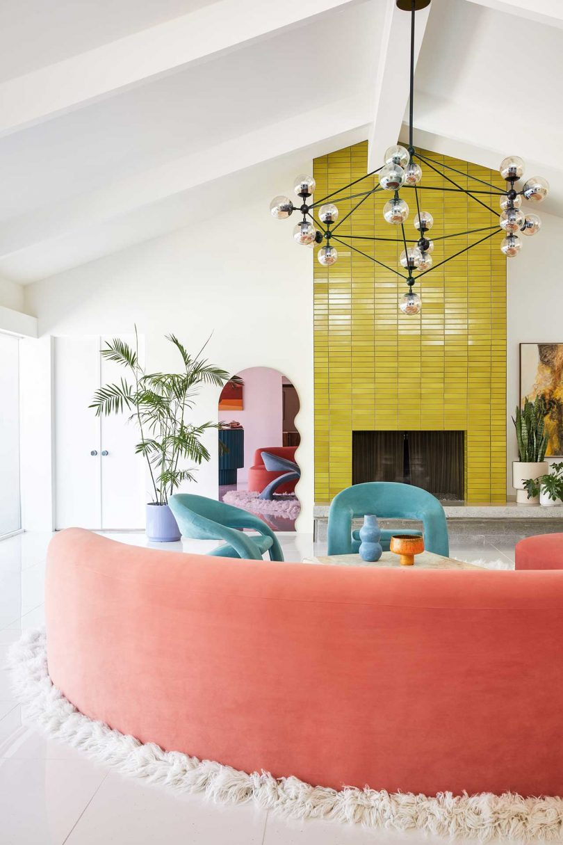 a-mid-century-wexler-is-transformed-with-vibrant-colors-and-bold-patterns
