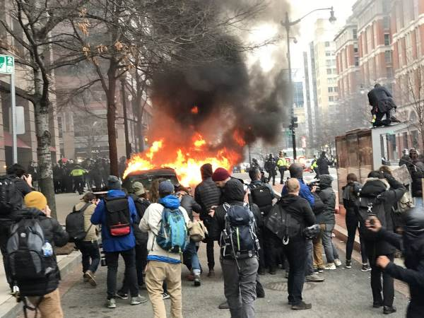 film-crew-releases-never-before-seen-footage-of-2017-inauguration-riots