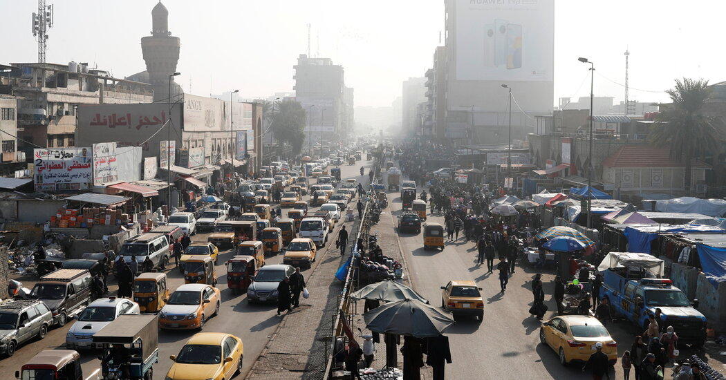 iraq-struggling-to-pay-debts-and-salaries-plunges-into-economic-crisis