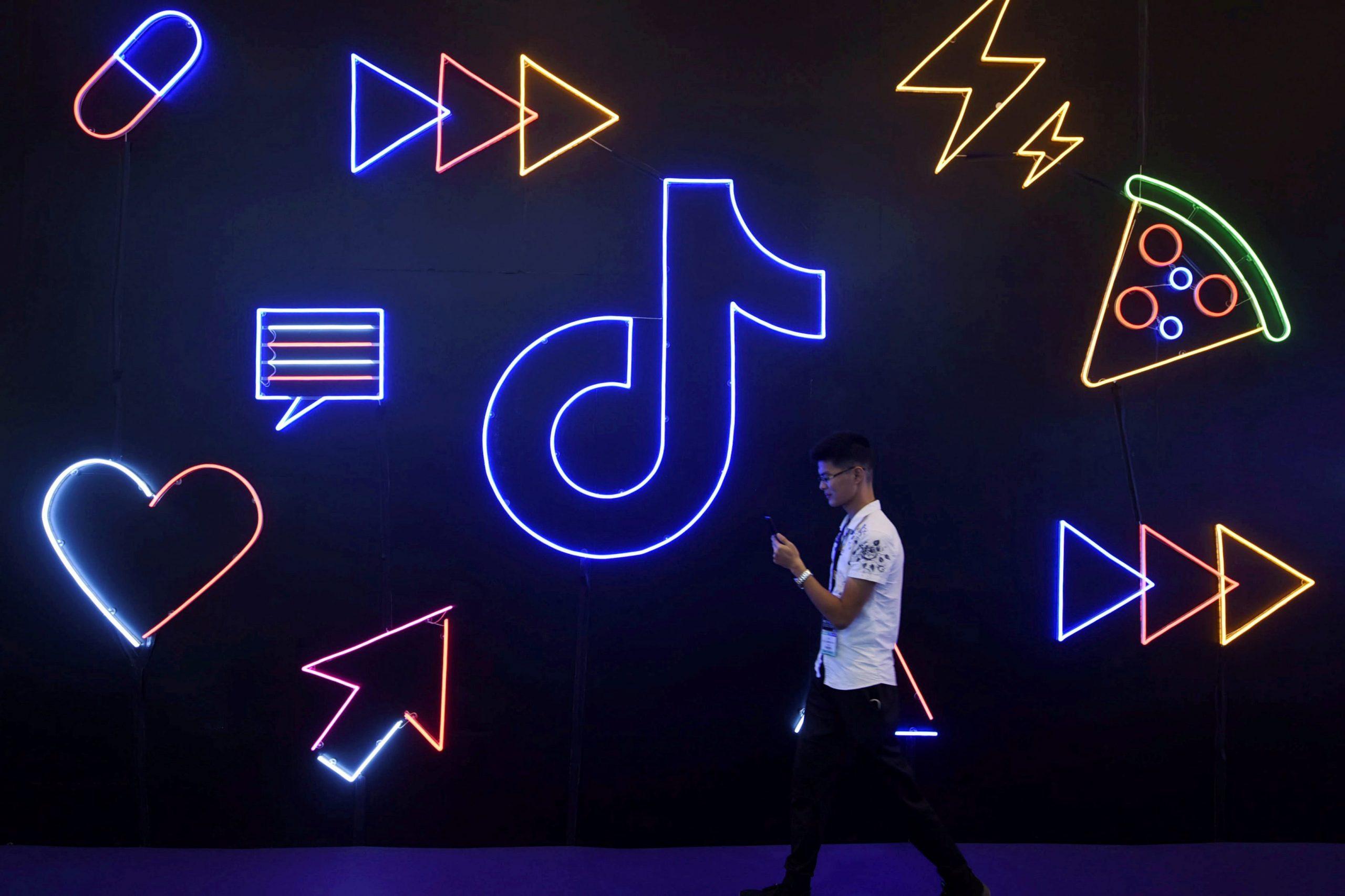 china-video-apps-kuaishou-douyin-become-e-commerce-sites-like-alibaba