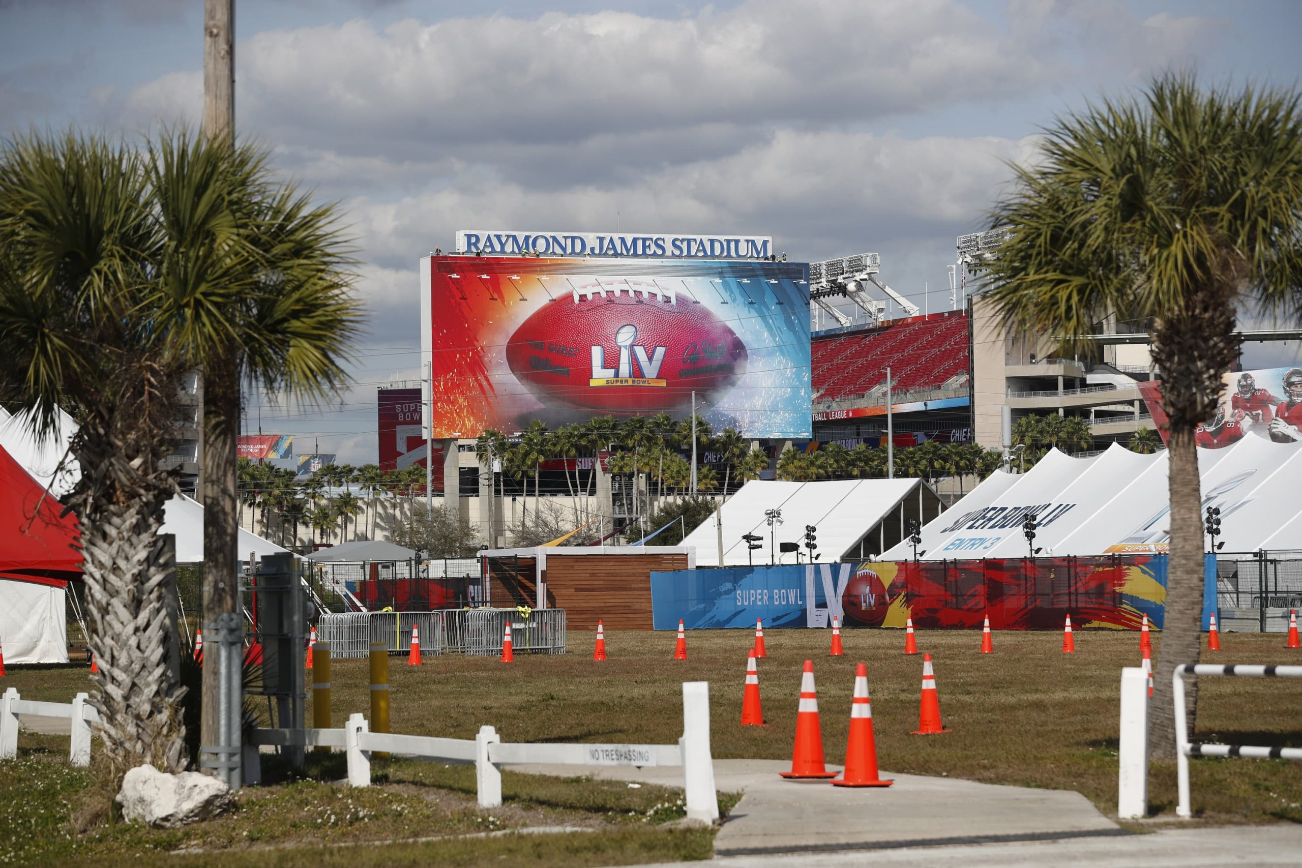 nfl-makes-covid-safety-plans-for-fans
