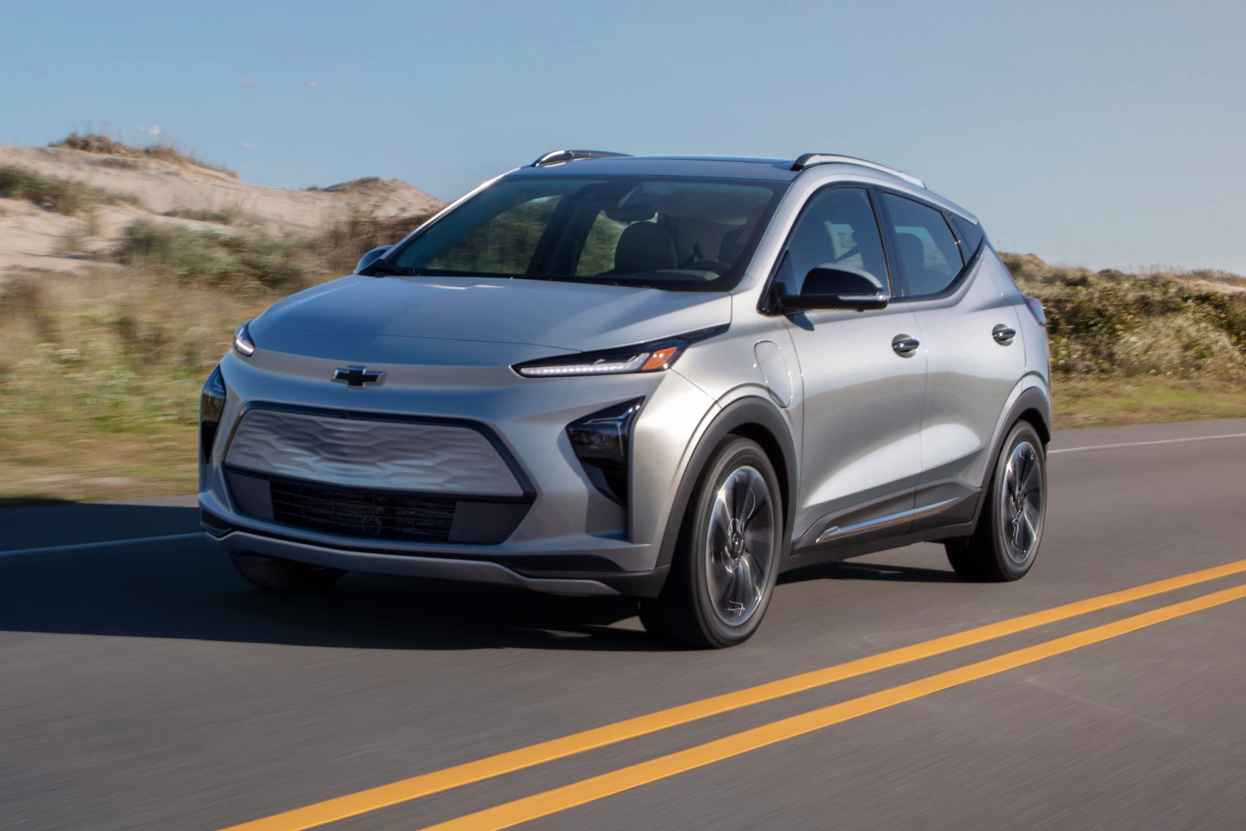 gm-unveils-all-electric-chevy-bolt-euv-and-redesigned-less-expensive-bolt-ev