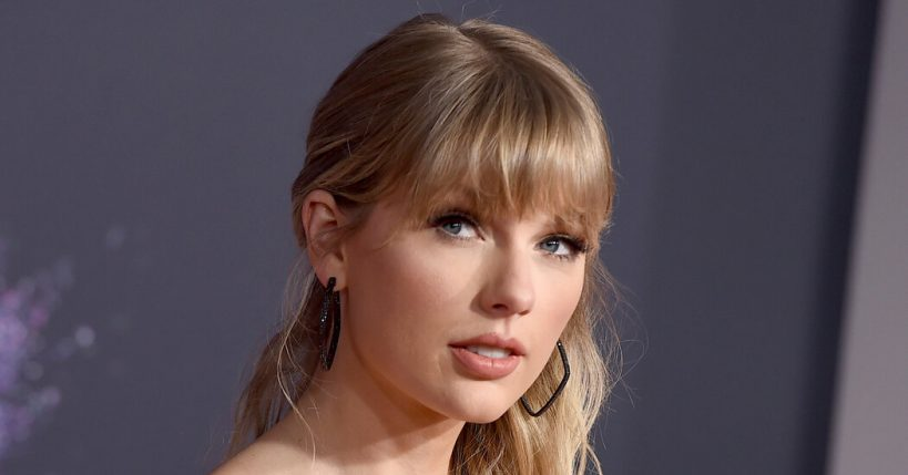 taylor-swifts-rerecorded-fearless-is-the-years-biggest-debut-so-far