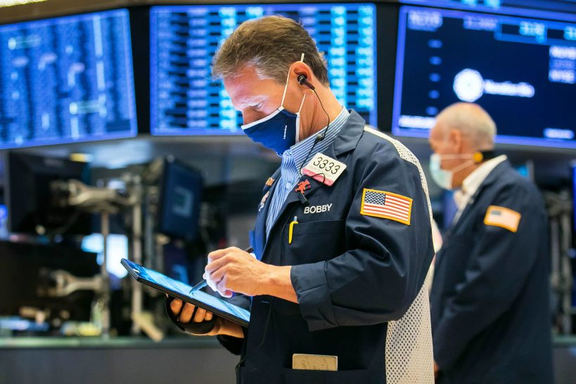 stock-futures-are-flat-ahead-of-more-retail-earnings